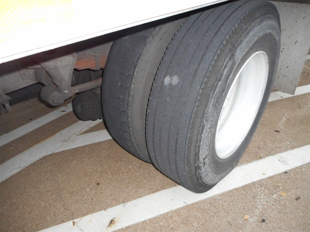 This truck demonstrates uneven treads on dual tires. Photo by Les