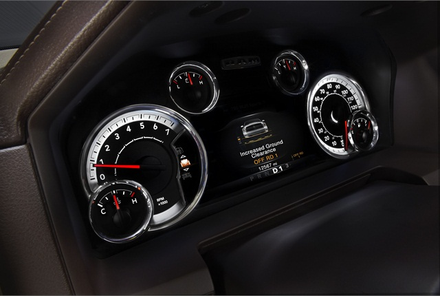Filling the Ram 1500's gauge cluster is an available, 7-inch, color multi-view display. The rotary e-shift dial, available with the new TorqueFlite transmission, replaces both column and floor shifters.