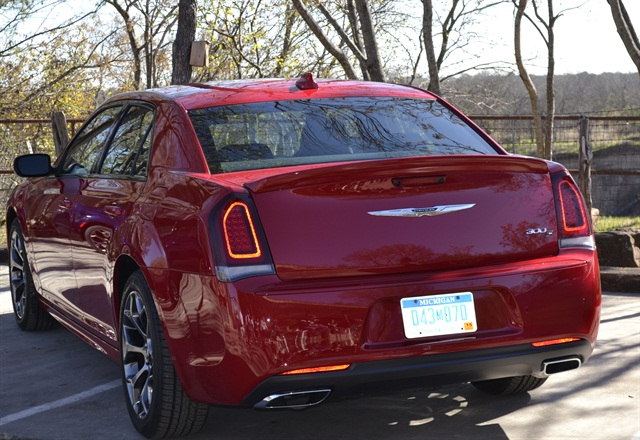 Photo of 2015 Chrysler 300S by Amy Winter.