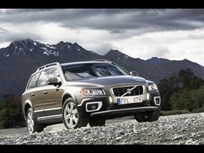 First Look: Volvo XC70