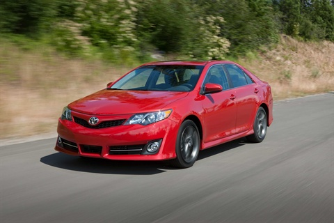 M 2012 Camry SE Front