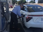 Hydrogen Fueling Network: How Many Stations for Critical Mass?