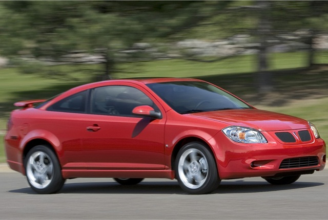 Photo of 2009 Pontiac G5 courtesy of General Motors.