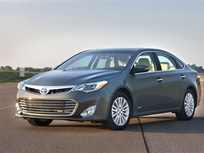 2013 Toyota Avalon to Offer Gas, Hybrid Powertrain Choices