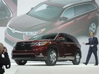 All-New Roomier 2014 Toyota Highlander SUV Debuts at New York Auto Show