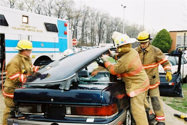 Photo of crash scene courtesy of NHTSA.