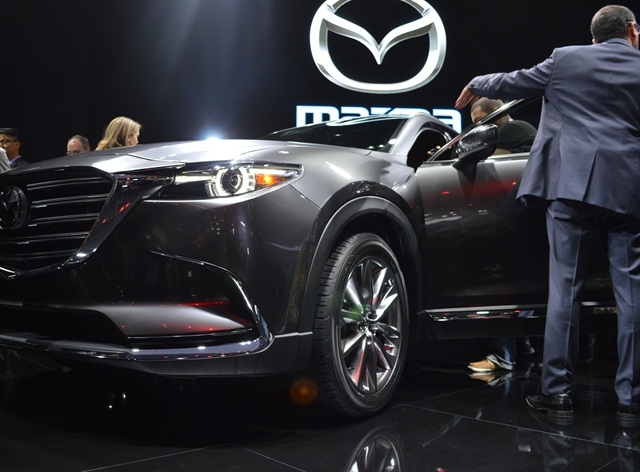Mazda presented its second generation CX-9 SUV at the L.A. Auto Show. Photo by Kat Sandoval.