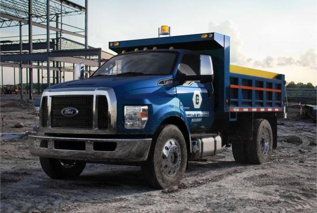 Photo of medium-duty 2016 dump truck courtesy of Ford.