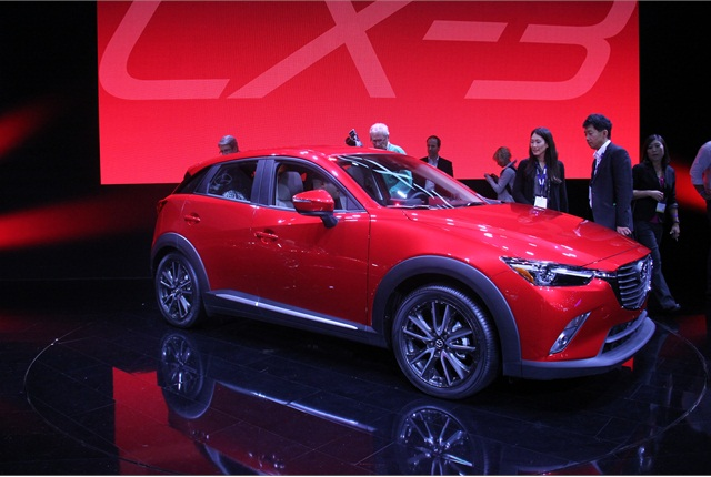 Photo of 2016 CX-3 by Paul Clinton.