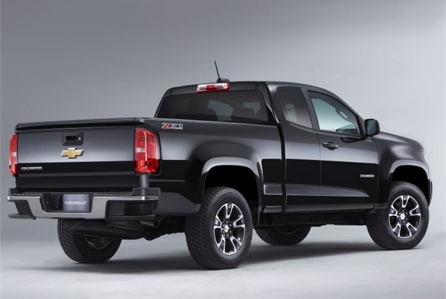 The 2015 Chevrolet Colorado is one of GM's vehicles offered with fleet incentives. Photo courtesy of GM.