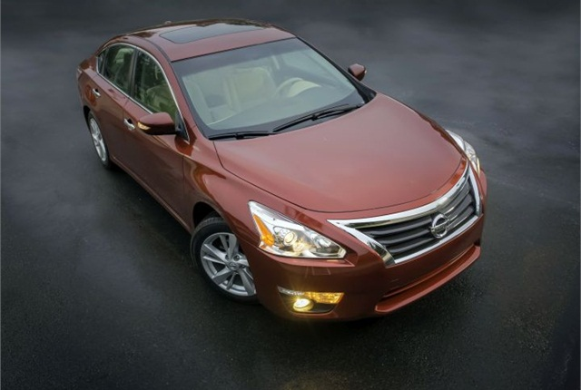 Photo of 2015 Altima courtesy of Nissan.