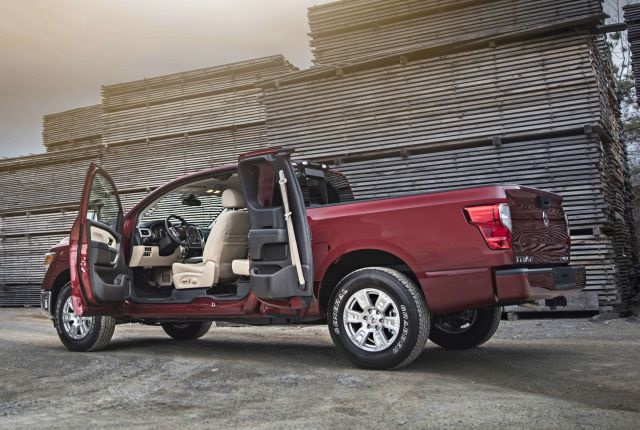 Photo of 2017 Titan King Cab courtesy of Nissan.