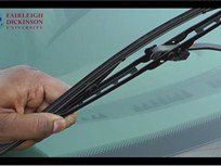 Fleet Safety Video Tip: Changing Windshield Wiper Blades