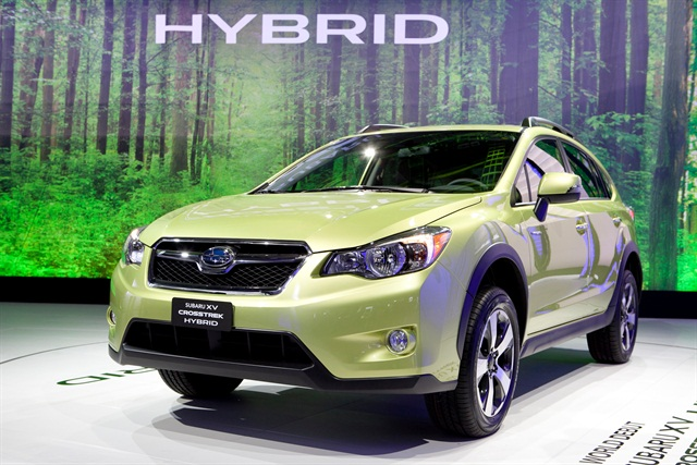 The 2014 Subaru XV Crosstrek Hybrid has a 2.0L Boxer engine matched with a hybrid drive (battery and electric motor) and a continuously variable transmission. Photo courtesy Subaru.